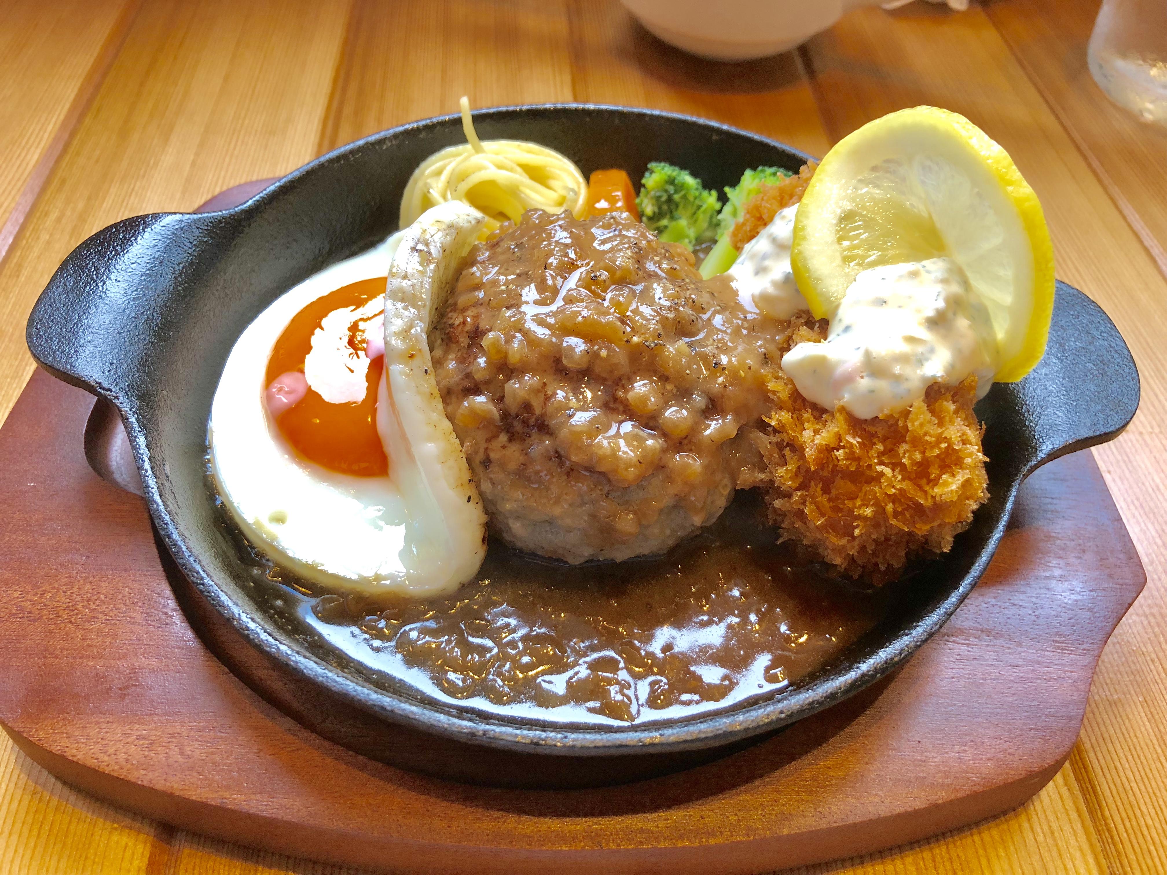 【肉汁の洪水】ハンバーグレストラン『lala』で食べた気まぐれランチが予想外に美味かった件