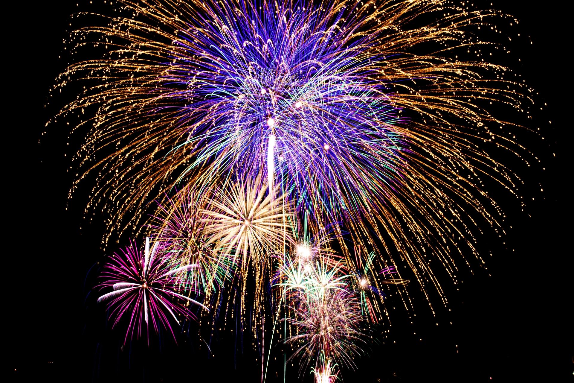 【悲報】大濠公園の花火大会が今季かぎりで終了するらしい。
