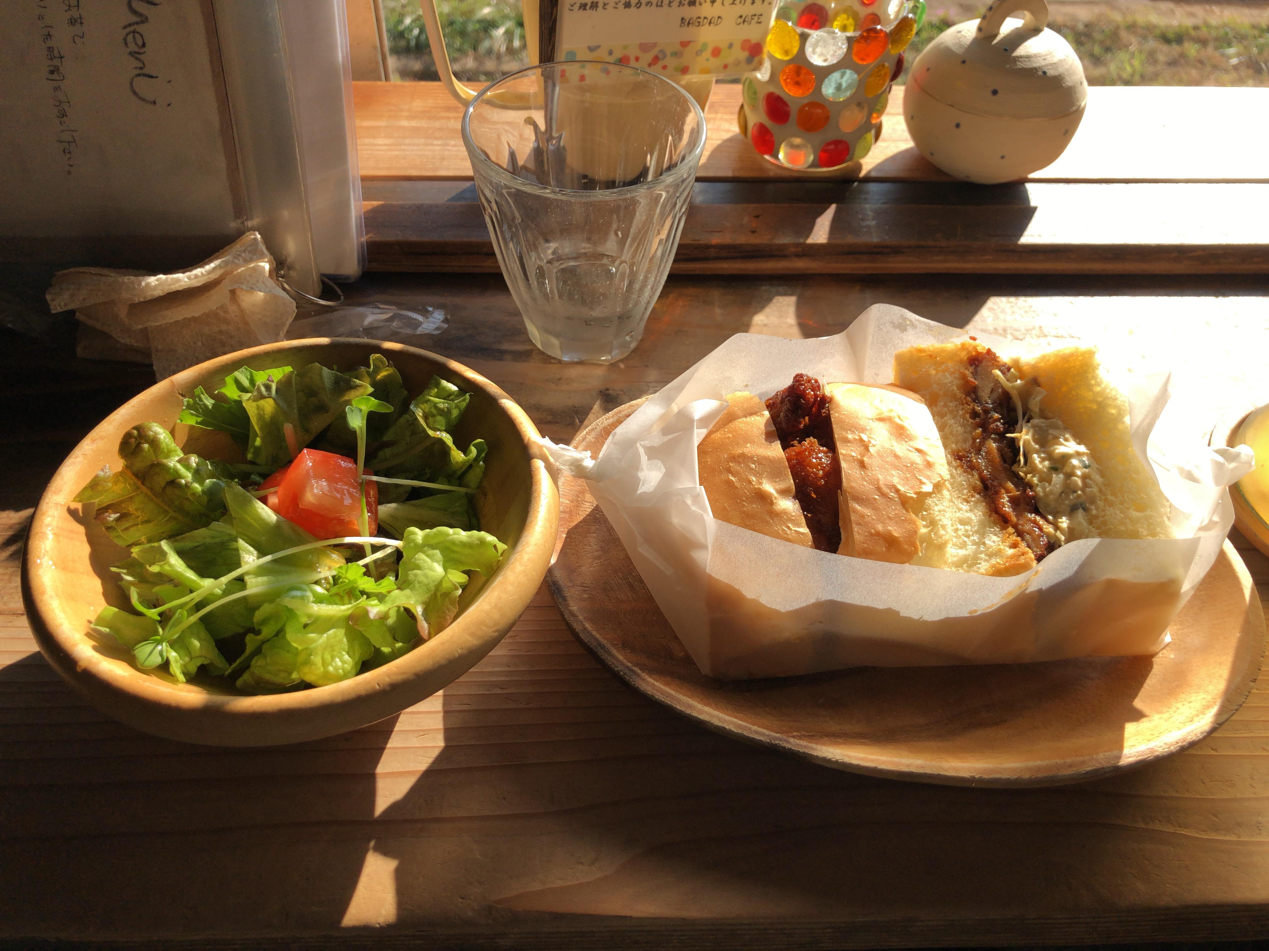 古民家オシャレかふぇ「バグダッドカフェ」のチキン南蛮サンド食べた