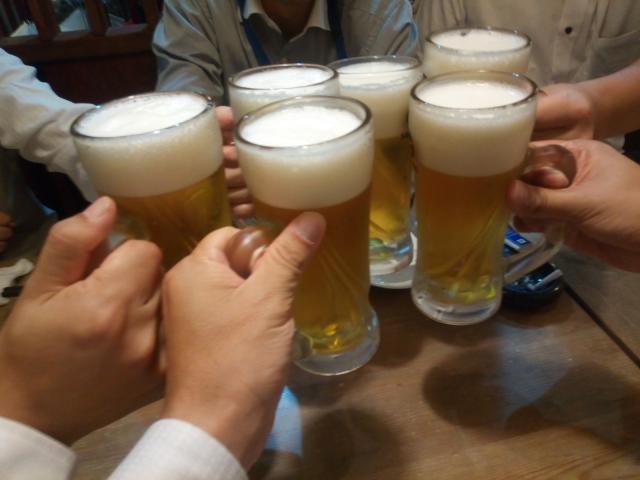 忘年会シーズン到来!飲み過ぎで肝臓を壊さないための予防策。